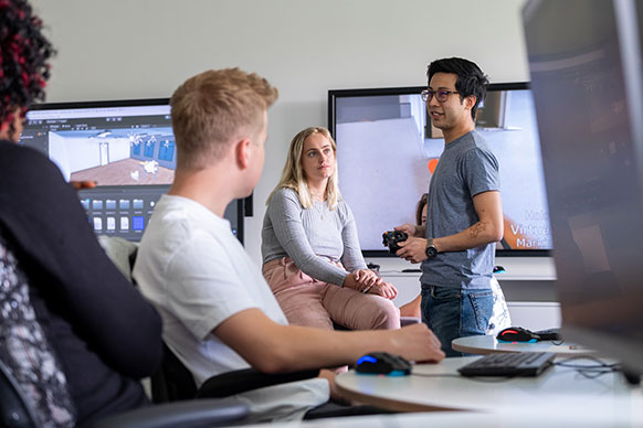 Students in gaming studio