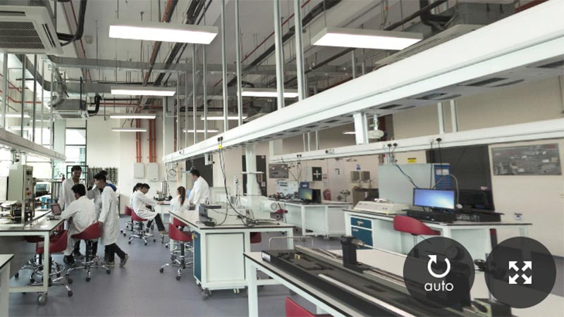 Students in the Thermo and Fluid Lab, Malaysia Campus